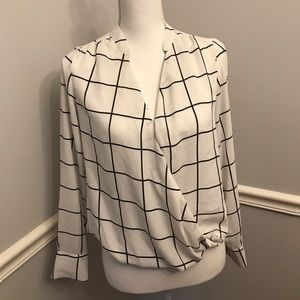 The Limited Black and White Striped Blouse sz XS
